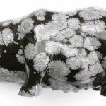 Фигурка свиньи из снежного обсидиана